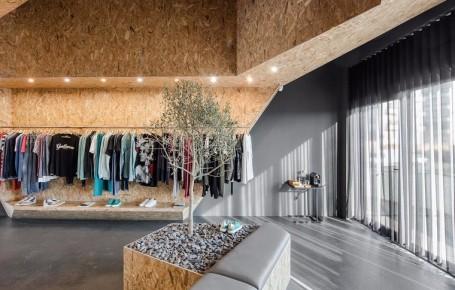 多品牌服装店